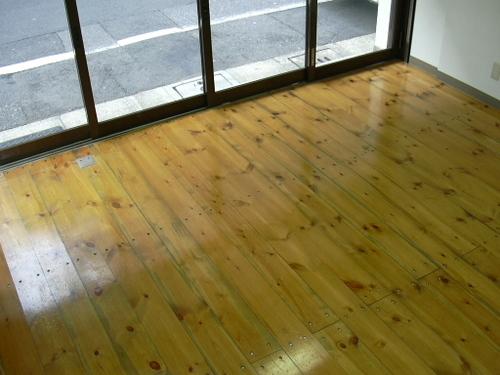 きれいな木目の床